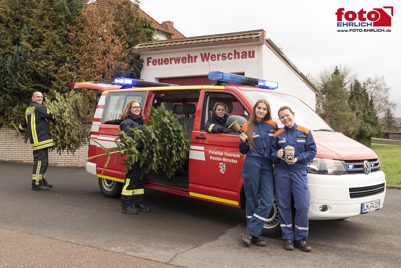 Die Feuerwehren in der Gemeinde Brechen sammeln mit der Jugendfeuerwehr Ihre Weihnachtsbäume am nächsten Samstag ein . . .